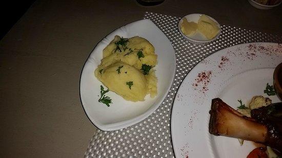 Le Saint-Regis : The mashed potatoes were okay.
