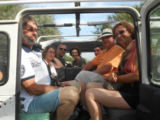 Camargue Sauvage safari 4x4 : 4x4 avec toit ouvert 8 places