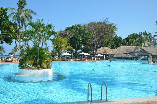 Prama Sanur Beach Bali: La piscine
