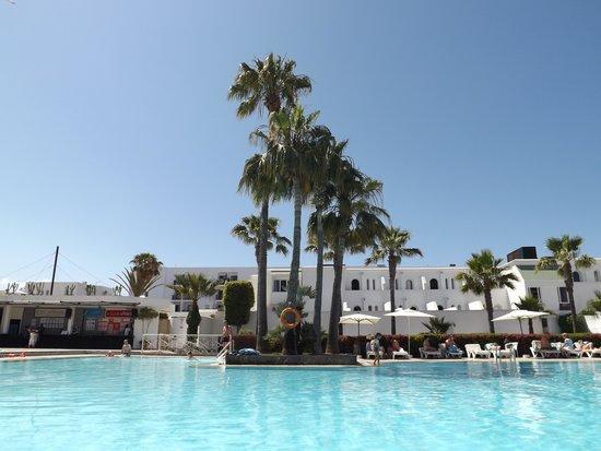 Royal Decameron Tafoukt Beach Hotel : Piscine