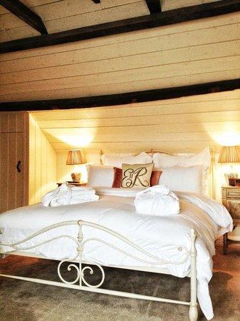 Broadway Barn Properties: attic room