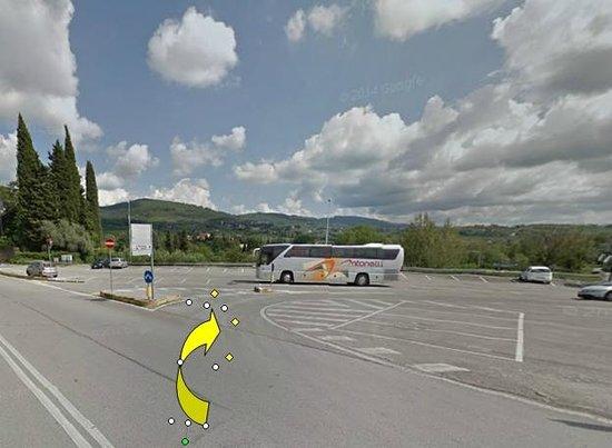 A Casa di Olivo: Quitter la via Aretina par la droite en traversant le parking