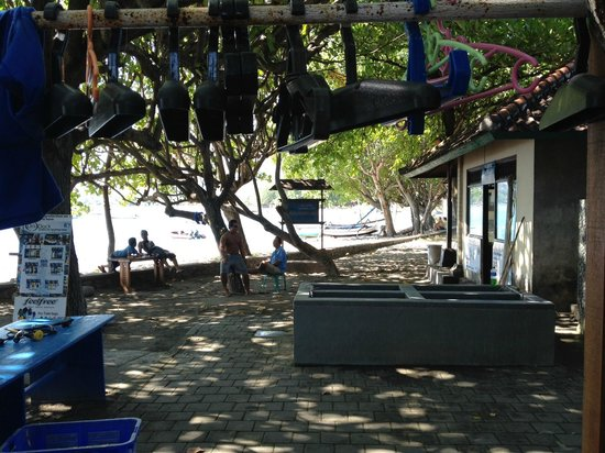 Bali Diving Academy Pemuteran: Rinse tanks