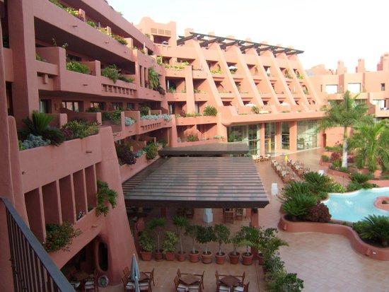 Sheraton La Caleta Resort & Spa, Costa Adeje, Tenerife: Middle of Hotel