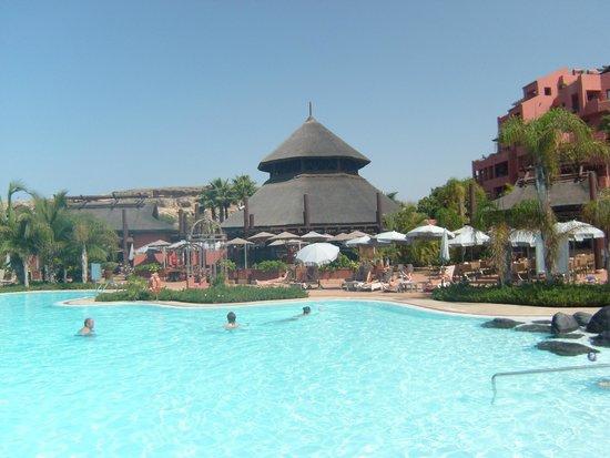 Sheraton La Caleta Resort & Spa, Costa Adeje, Tenerife: Pool Bar Area