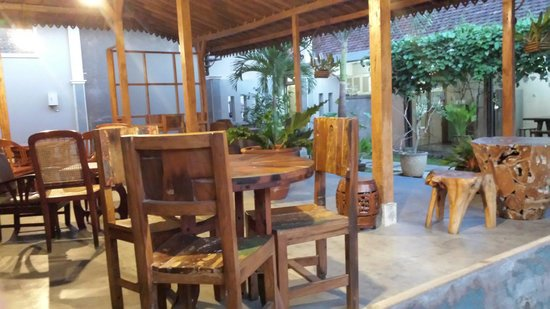Maharani Guest House : Breakfast area.