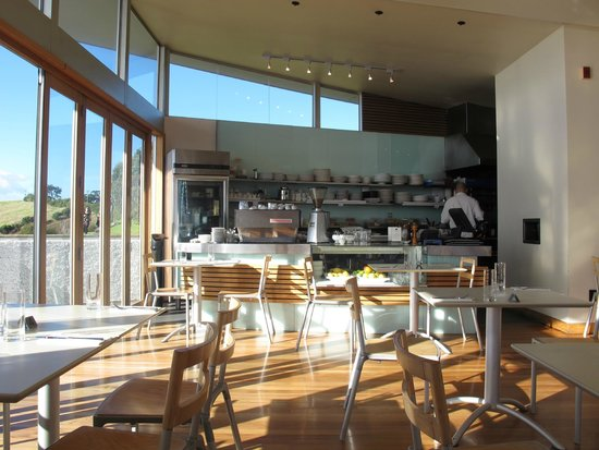 Te Whau Vineyard Restaurant: professional kitchen with friendly staffs