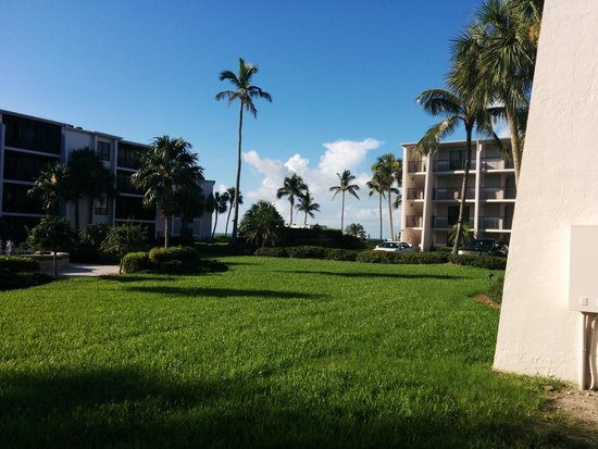 Sundial Beach Resort & Spa: view of the courtyard