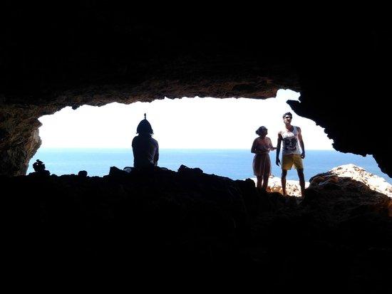 Es Cap de Barbaria Lighthouse: la grotta.