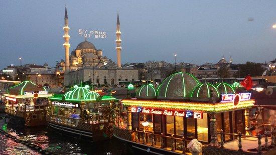 New Mosque: Eminonu in the evening...