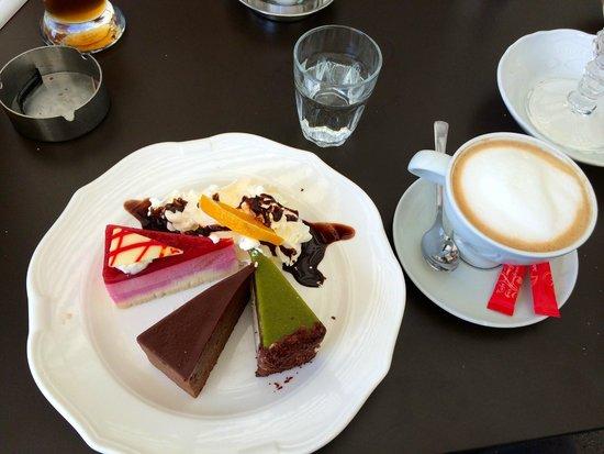 Café Restaurant Residenz: My Trio cake Dessert in reality... yummy