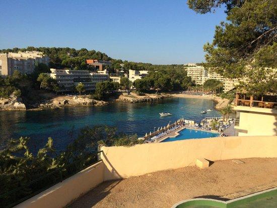 SENTIDO Cala Viñas: Hotel grounds