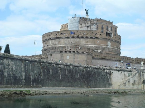 Castillo de Sant'Angelo: Замок