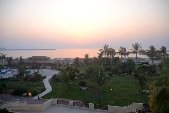 Hilton Ras Al Khaimah Resort & Spa : sunset from Waldorf Astoria