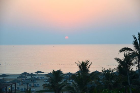 Hilton Ras Al Khaimah Resort & Spa : suset from balcony of Hilton Ras Al Khaima Golf and Spa Resort al Hamra
