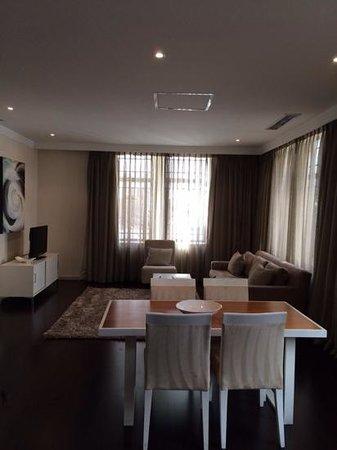 Mandela Rhodes Place Hotel: lounge