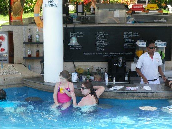 Centara Karon Resort Phuket: Pool bar - for every price add 17% taxes