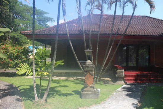 Cottage picture of inna grand bali beach hotel sanur for Cottage bali