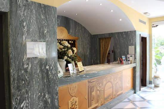 Hotel Zi Teresa: Reception