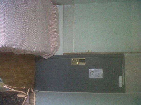 Hipotel Paris Belleville : chambre