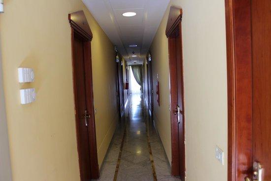 Hotel Zi Teresa: Hallway