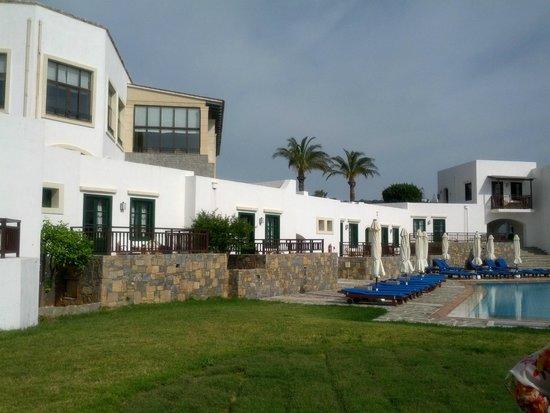 Creta Maris Beach Resort : домики