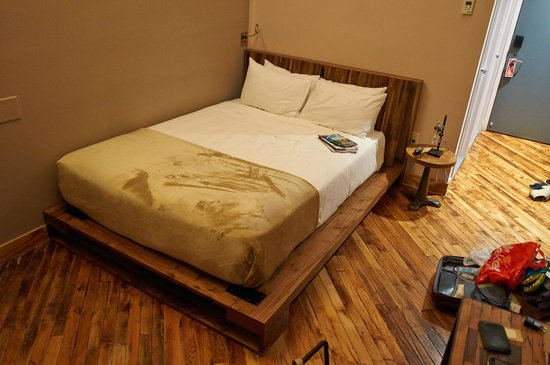The Paper Factory Hotel: bed