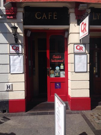 Cafe Carlo: Look carefully, it's easy to miss!