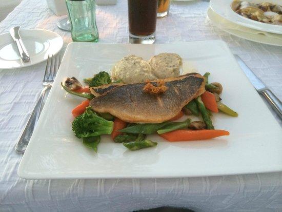 Hotel Village Ibiza: excellent restaurant
