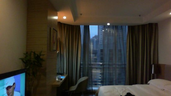 Somerset Jiefangbei Chongqing: Interior of hotel studio room