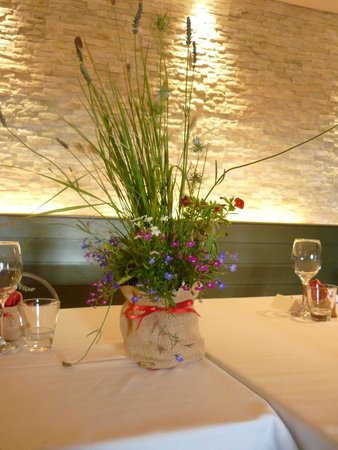 The Riverbank Bar & Kitchen: Wedding table