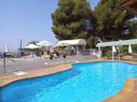 Nerja Club: Hotel Pool area