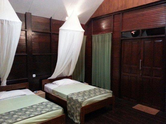 Thalassa PADI Dive Resort : Inside View of Room No. 3