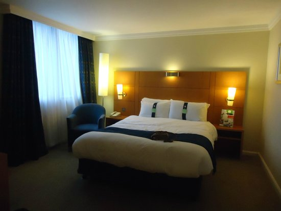 Holiday Inn Glasgow Airport: Room