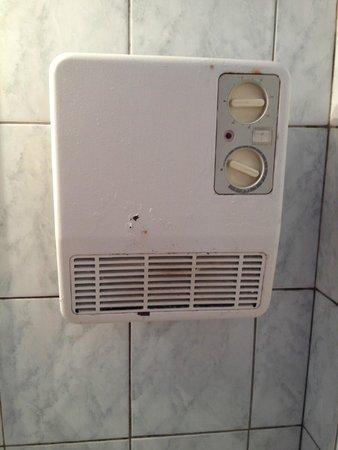 Le Cheval Blanc : le chauffage dans la salle de douche
