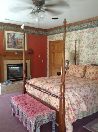 Innisfree Bed & Breakfast By-The-Lake: The suite