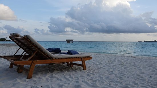 Maafushivaru : Tranquility on the beach