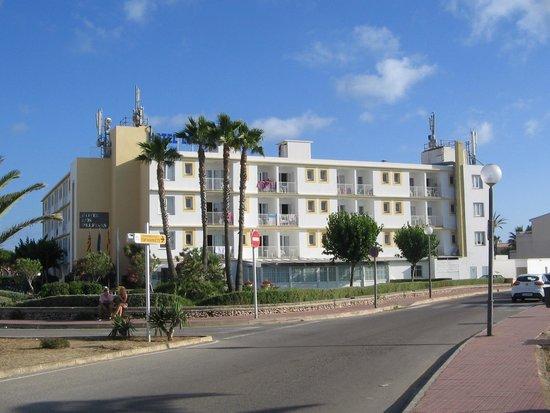 SunConnect Apartamentos Los Delfines: Hotel Front