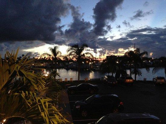 Sea Captain Resort on the Bay: Sunrise on the Bay