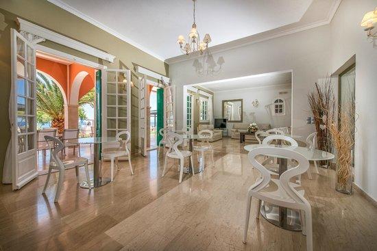 Balcony Hotel: Breakfast Area