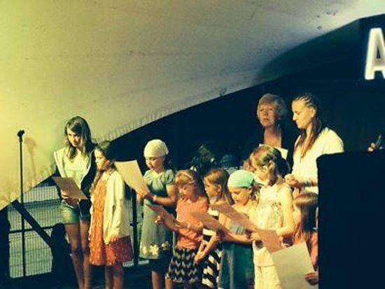 Hotel Club Sur Menorca : nightly entertainment - my kids loved minidisco