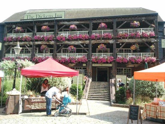 The Tower: Dicken's Inn in den Docks neben dem Tower Hotel