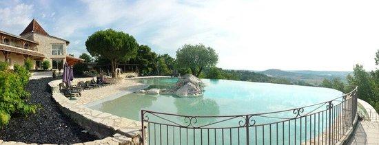 Hotel le Belvedere : La piscine