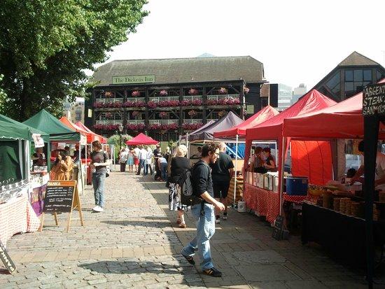 The Tower: Dicken's Inn in den Docks
