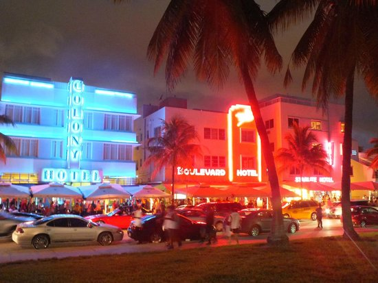 Courtyard Cadillac Miami Beach/Oceanfront: Ocean Drive, South Beach