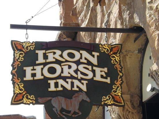 Iron Horse Inn: signage