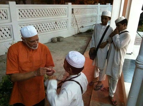 Lotus Bay View : An educational tour of the Muslim Quarters in Pondicgerry