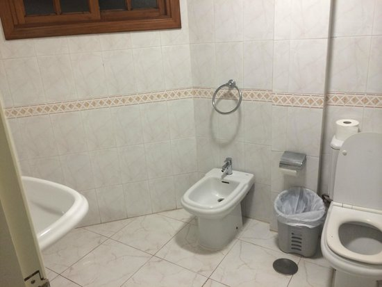 Suite Hotel Elba Castillo San Jorge & Antigua: Very Clean Bathroom