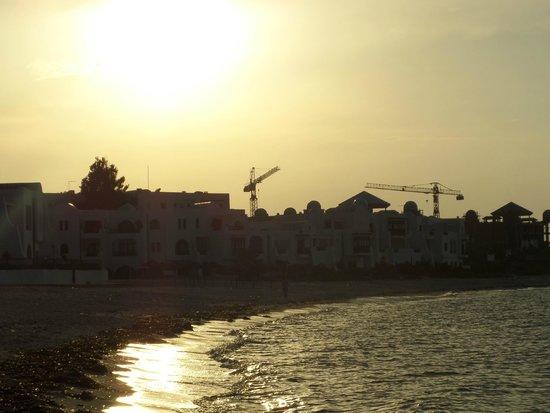 Marhaba Palace Hotel: Sunset over the hotel