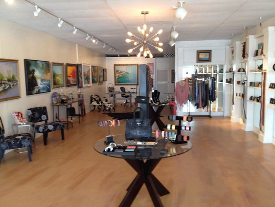 Earthandsea boutique and gallery inc